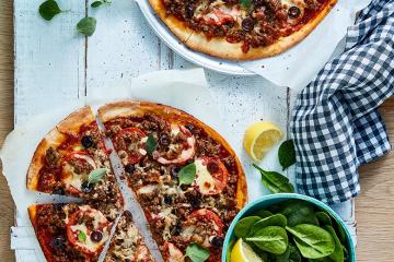 Lamb, Tomato & Olive Pizza